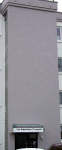Renovierungsarbeiten für die perfekte Wärmedämmung / Vollwärmeschutz: Mauerwerk verputzen, Hauswand verputzen mit Wandputz, Wände streichen.